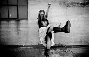 rare-under-my-skin-images-avril-lavigne-11341496-471-302