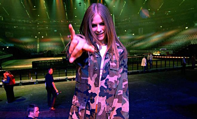 Novo conceito musical: entenda as últimas postagens de Avril no Instagram