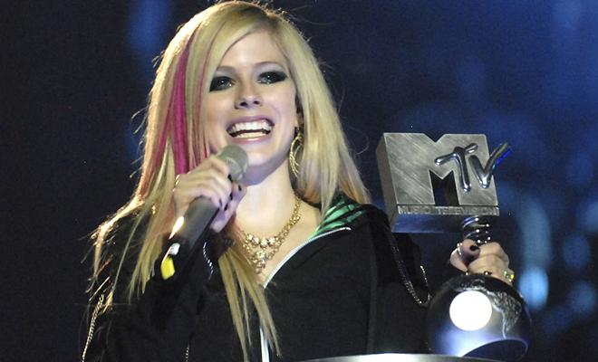 Avril Lavigne é indicada ao EMA, MTV Music Awards – Saiba como votar!