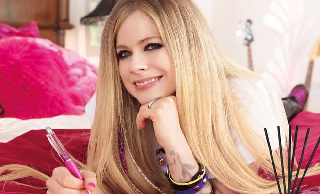 """Avril é a nova garota propaganda dos produtos """"Laudrin"""""""