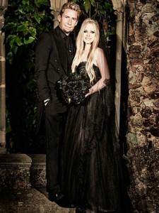 Avril-Lavigne-wedding-dress-full
