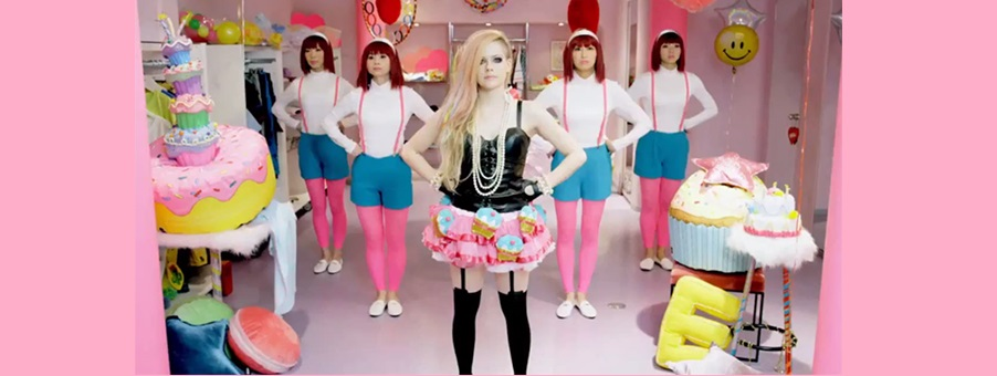 RESENHA DO CLIPE DE 'HELLO KITTY'