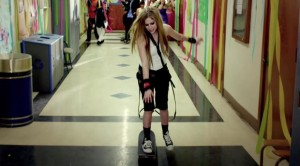 avril-lavigne-skate-board-heres-to-never-growing-up-video