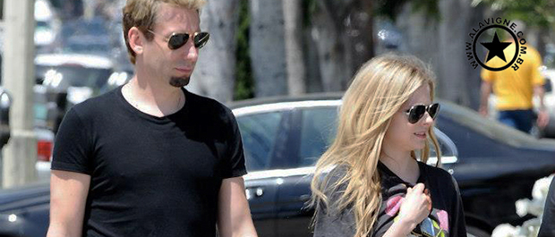 VÍDEO: AVRIL LAVIGNE E CHAD KROEGER BLUE CARPET BILLBOARD 2013