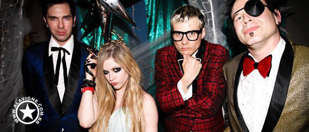 [GALERIA DE FOTOS] AVRIL NO SET DE 'HTNGU'